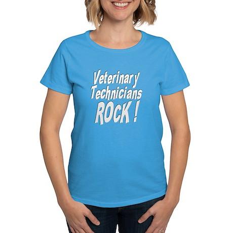Veterinary Techs Rock ! Women's Dark T-Shirt