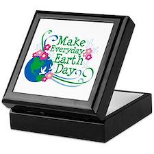Make Everyday Earth Day Keepsake Box