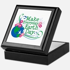 Make Everyday Earth Day Keepsake Box