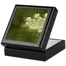 Queen Anne Lace Keepsake Box