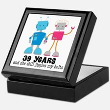 39 Year Anniversary Robot Couple Keepsake Box