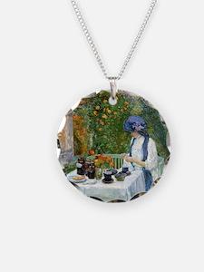 The Terre-Cuite Tea Set (Fre Necklace