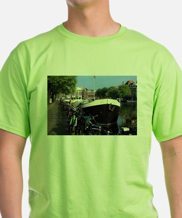 Barge and bicycles, Amsterdam T-Shirt