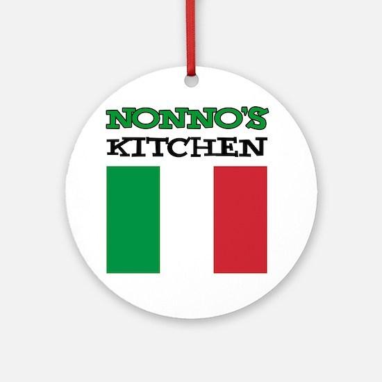 Nonnos Kitchen Italian Apron Round Ornament