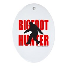 BIGFOOT/SASQUATCH HUNTER Ornament (Oval)
