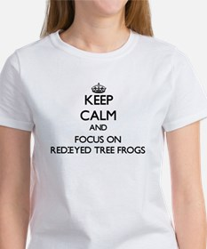 Keep calm and focus on Red-Eyed Tree Frogs T-Shirt