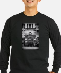 Snow storm in Manhattan Long Sleeve T-Shirt
