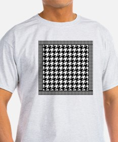 Black | White Houndstooth Pattern T-Shirt