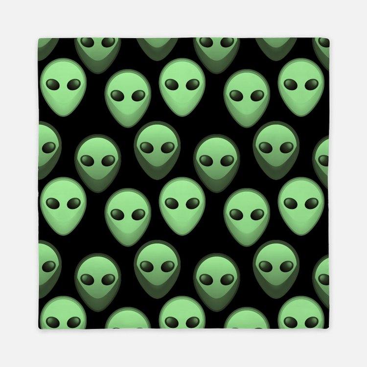 Black Green Alien Pattern 3 Queen Duvet