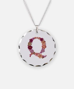 Q Pink Flowers Necklace