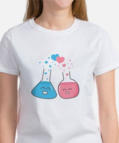 Cute flasks in love, weve got chemistry T-Shirt