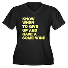 Know when to Women's Plus Size V-Neck Dark T-Shirt