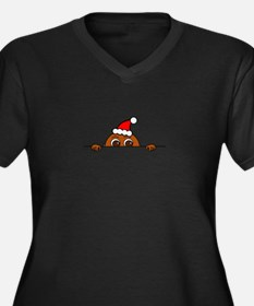 Christmas Baby Peeking Plus Size T-Shirt