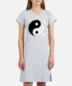 Yin and Yang Women's Nightshirt