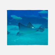 Diving Stingray Throw Blanket
