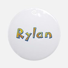 Rylan Giraffe Round Ornament