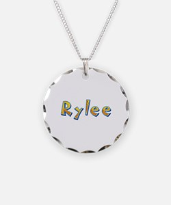 Rylee Giraffe Necklace Circle Charm