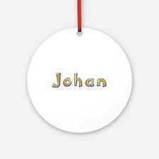 Johan Giraffe Round Ornament