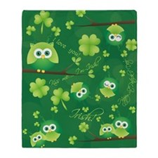 St Patricks Day Owl Throw Blanket