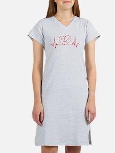Horses Love Heartbeats Heart Women's Nightshirt