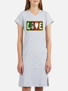 Cute Peace love quilt Women's Nightshirt