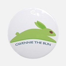 Gwennie The Bun Ornament (Round)