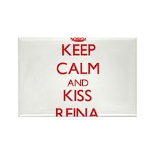 Keep Calm and Kiss Reina Magnets
