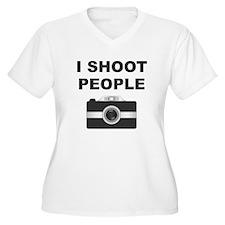 I Shoot People Black Camera Plus Size T-Shirt