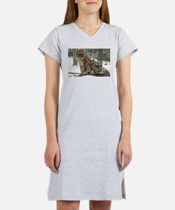TIGER IN THE SNOW Women's Nightshirt