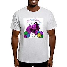 knit queen 2 T-Shirt