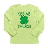 Kiss me im irish Long Sleeve Tees