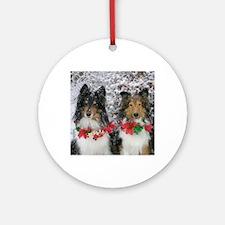 Shetland Sheepdogs in the Snow Chri Round Ornament