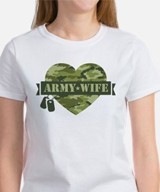 Camo Heart Army Wife Women's T-Shirt