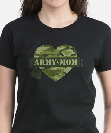 Camo Heart Army Mom Women's Dark T-Shirt