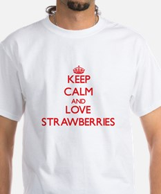 Keep calm and love Strawberries T-Shirt