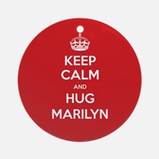 Hug Marilyn Ornament (Round)