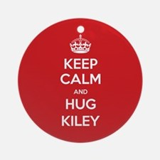 Hug Kiley Ornament (Round)