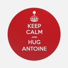 Hug Antoine Ornament (Round)