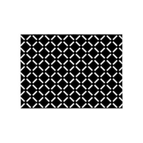 White Diamond Patterned 5'x7'Area Rug