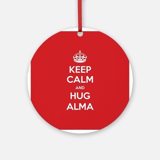 Hug Alma Ornament (Round)