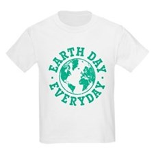 Vintage Earth Day Everyday T-Shirt