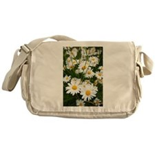 Meadow of daisies Messenger Bag