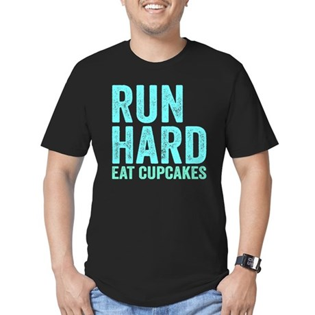 Run Hard Eat Cupcakes Men's Fitted T-Shirt (dark)