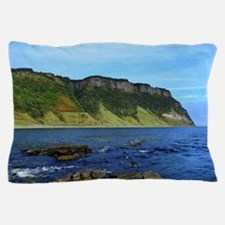 Sea Cliffs at Bearreraig Bay on Skye i Pillow Case