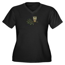 owl on branch Plus Size T-Shirt