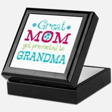 Great Mom Promoted to Grandma Keepsake Box