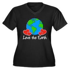 Love The Earth Design Plus Size T-Shirt