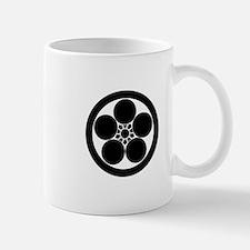 Umebachi-style plum blossom in circle Mug