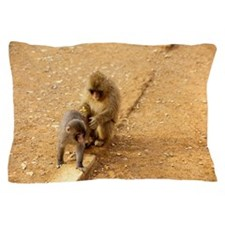 snow monkeys Pillow Case