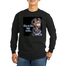 black T doberman smiles Long Sleeve T-Shirt